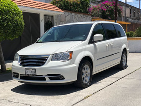 Chrysler Town & Country *6464
