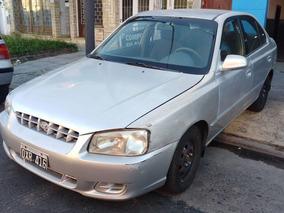 Hyundai Accent 1.5 Gls 4 Puertas Nafta 2001 Gris Plata