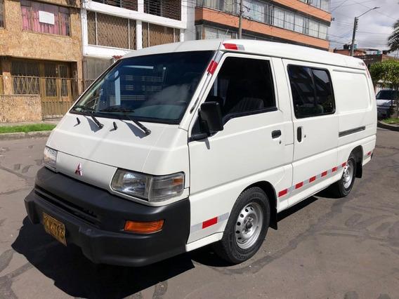Mitsubishi L300 2011