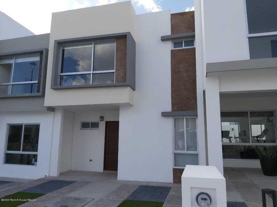 Casa En Venta En Zakia, El Marques, Rah-mx-21-141