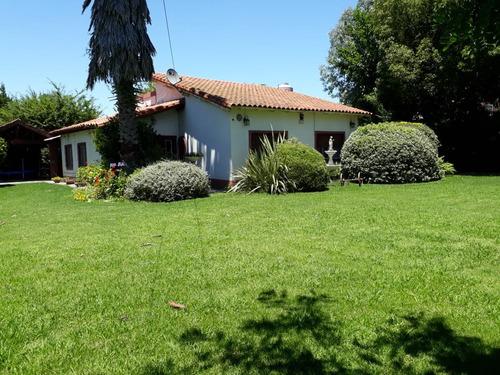 Imagen 1 de 14 de Casa Quinta En Moreno