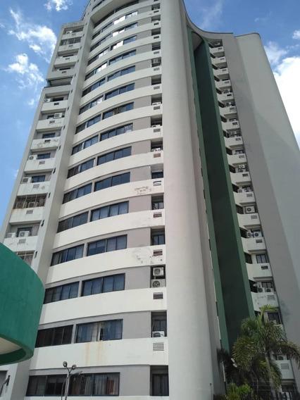 Apartamento En Venta La Arboleda 04243799160