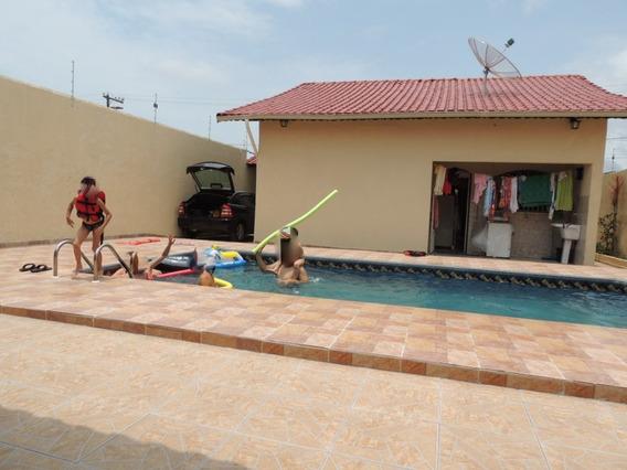 Casa Em Itanhaém, Com Piscina E Churrasqueira