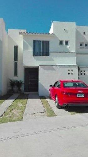 Casa En Condominio En Venta En Puerta De Piedra, San Luis Potosí, San Luis Potosí
