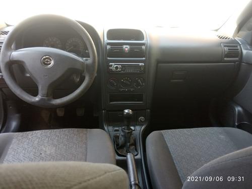 Imagem 1 de 9 de Chevroletastra Sedã Advantage