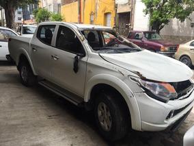 Mitsubishi L200 Gasolina 2016 Para Reparar