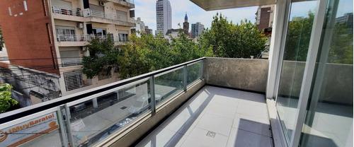Loft Monoambiente Venta Abasto Divisible Amplio Luminoso Balcón Terraza
