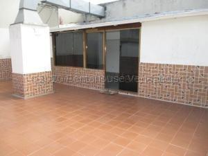 Alquiler De Apartamento En La Candelaria / Ac 21-3383