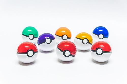 3 Pokebolas Con 2 Pokemones Cada Una