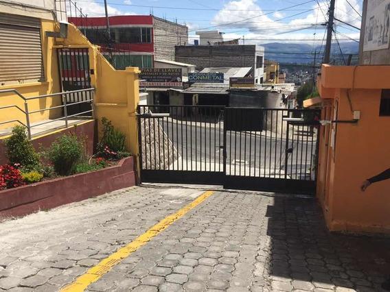 Arriendo Dpto. Sector Las Casas. 3 Dormitorios, Parqueadero