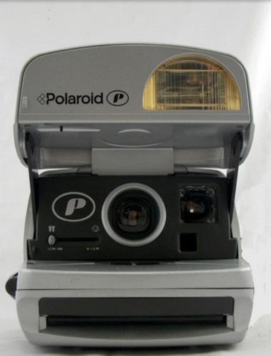 Câmera Polaroid Silver One Step Auto Focus 600 Vintage