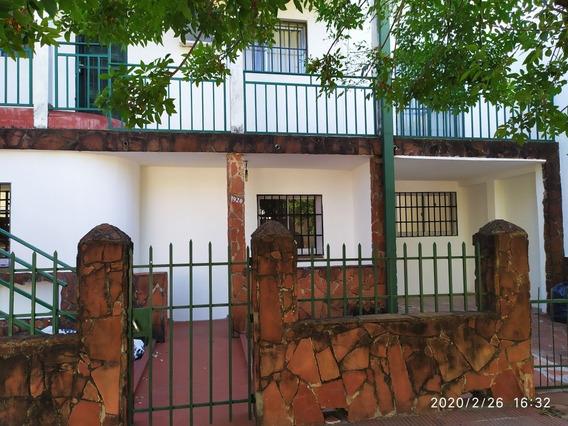 Casa En P.b. Tres Dormitorios, Baño, Cocina Comedor, Living,