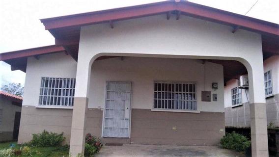 Casa En Alquiler De Pocos Años De Uso En Panamá, Las Cumbres