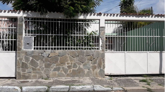 Casa En Los Guayos Foc-655