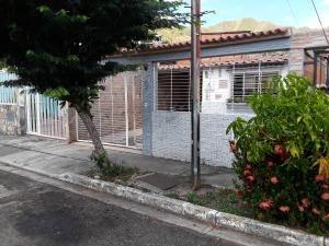 Casa En Venta En La Esmeralda San Diego 19-16502 Valgo