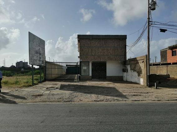 Galpones Comerciales Con Oficinas, Porlamar, Avenida Terran