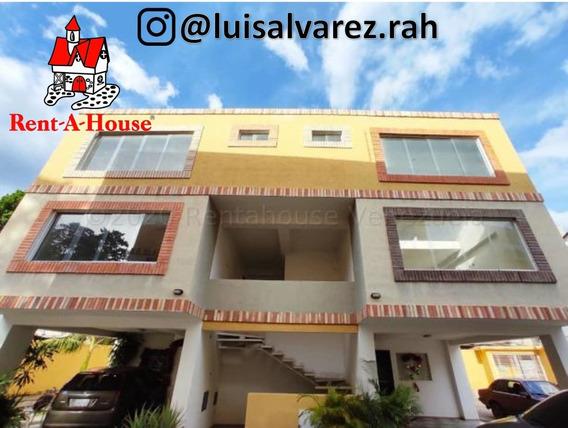 Apartamento Duplex En Venta La Pedrera Cod. 21-10020