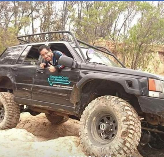 Jeep Cherokee Limited 4x4 5.2l