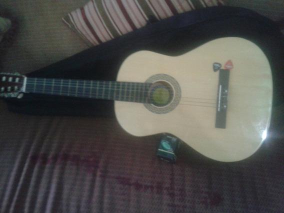 Vendo Guitarra Acustica Nueva Marca Bestler Importada