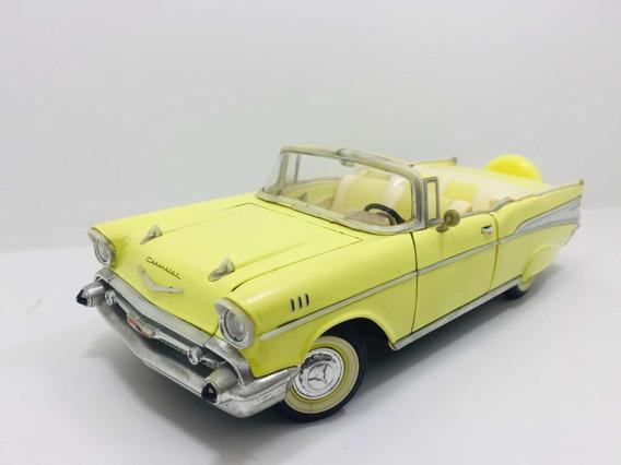 Miniatura Chevrolet Bel Air 1957 Road Signature 1/18