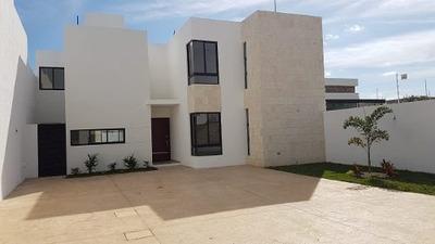 Venta De Residencia Con Acabados De Lujo En Lomas De Zitya