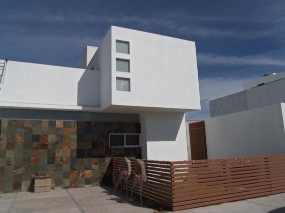 Hermosa Casa En Exclusivo Fraccionamiento