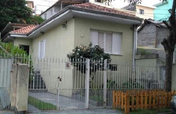 Casa Com 02 Dormitórios, 01 Banheiro, 02 Vagas De Garagem , Jardim Na Frente, Área Nos Fundos. - 169-im257474