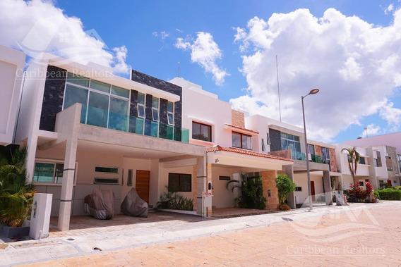 Casa En Venta En Arbolada Cancún/arbolada