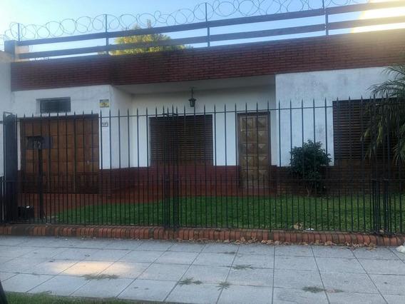 Hermosa Casa 3 Ambientes Con Fondo Libre, Quincho Y Parrilla En Alquiler, Don Bosco!!!