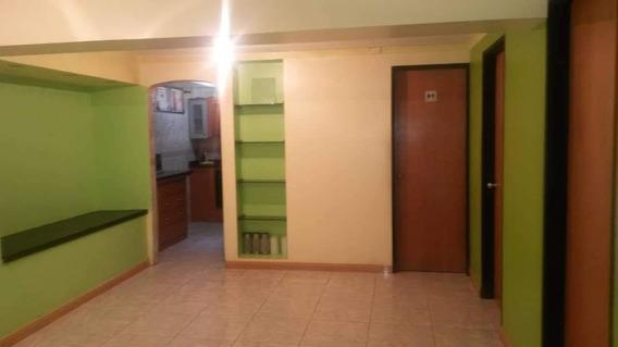 Apartamento En Venta En Las Lomas De Urdaneta - Catia