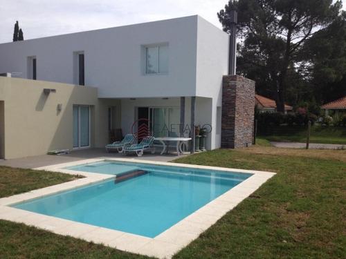 Hermosa Residencia Pon Piscina- Ref: 3118