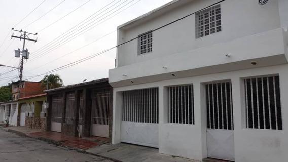 Anexo En Alquiler Urb. Las Delicias, Santa Rita 04144748721