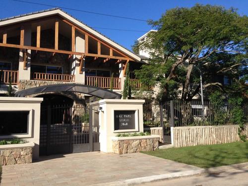 Apartamento En Alquiler Y Venta Con Jardin De Uso Exclusivo De 2 Dormitorios En Carrasco