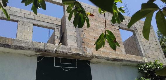 Casa Con Un Cuarto, Sala , 1 Baño, Planta Alta En Obra Negra
