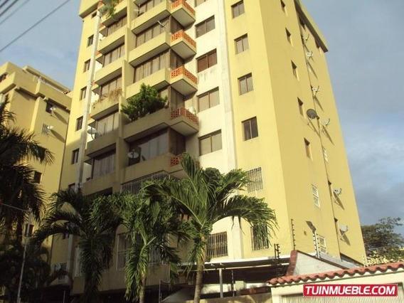 Apartamento En Venta En La Urb La Soledad 19-7928 Mv