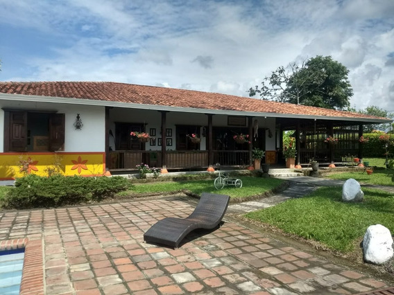 Se Vende Chalet - Condominio Montenegro - Quimbaya