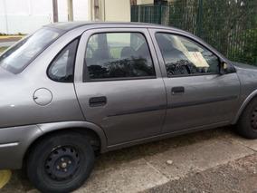 Corsa Sedan Vendo/troco