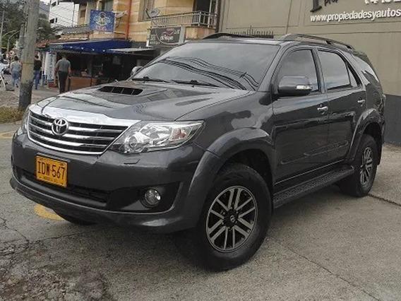 Toyota Fortuner 3.000cc Aut,4x4,diesel 2015