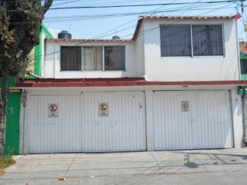 Casa En Venta En Los Pirules, Tlalnepantla Rcv-3714