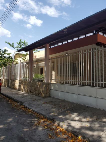 Alquilo Casa Urb. San Miguel