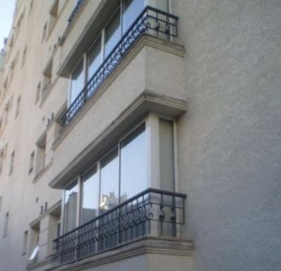 Apartamento Em Moinhos De Vento Com 3 Dormitórios - 244161