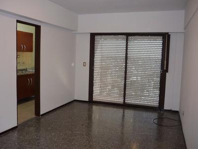 Departamento En Torre En Alquiler En Lanús Centro