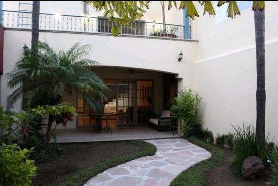 Casa En Venta En Jardines Plaza Del Sol