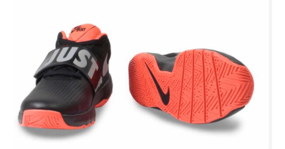 Tênis Nike Team Hustle Tamanho 21