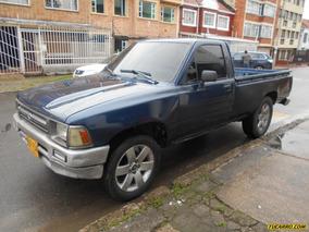 Toyota Hilux Platon Estacas 2.4 2p