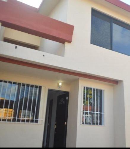 Se Vende Hermosa Casa En Excelente Ubicación De Cancún