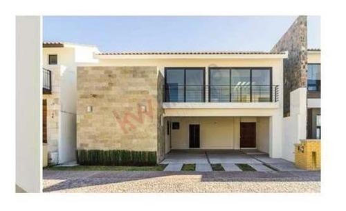 Casa En Venta Jurica Queretaro Amplios Espacios 3 Habitaciones Privada Arco De Piedra