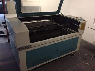 Maquina De Corte Y Grabado Laser.