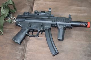 Airsoft Cqb Gsg-522 Pk Ris Full Metal Aeg 6,0mm + Red Dot