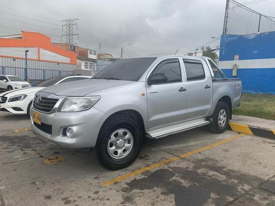 Toyota Hilux Hilux 2.5 Turbodiesel Mec 4x4 2013
